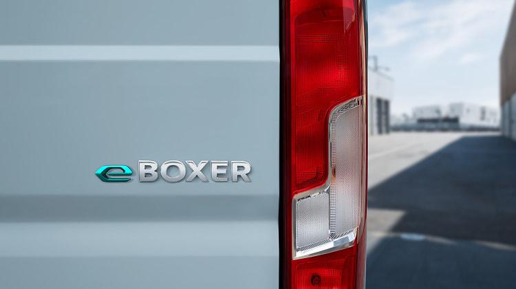 2014 - [Citroën/Peugeot/Fiat] Jumper/Boxer/Ducato - Page 13 Peugeot%20e-Boxer-4
