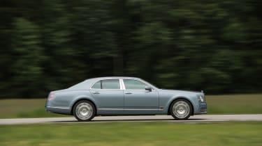 Bentley Mulsanne 2016 - side profile
