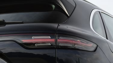 Porsche Cayenne - rear light