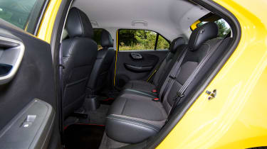 MG3 - back seats