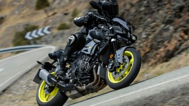 Yamaha MT-10 review - sweeping corner