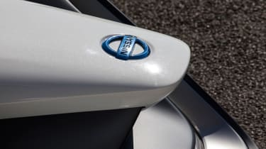 Nissan BladeGlider review - nose