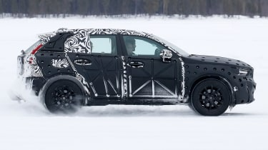 Volvo XC40 spy shot side]