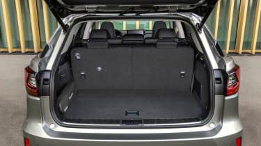 Lexus RX L - boot