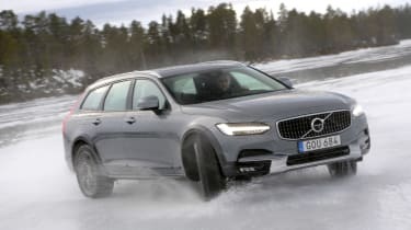 Volvo V90 Cross Country - ice sliding