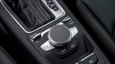 Audi Q2 - infotainment controls