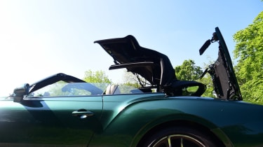 Bentley Continental GT Convertible - roof closing