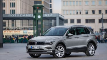 Volkswagen Tiguan 2016 - silver front quarter