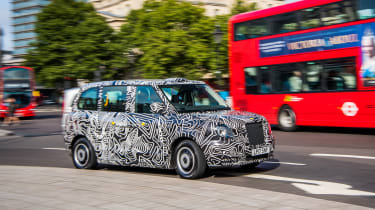 TX London Taxi - front action