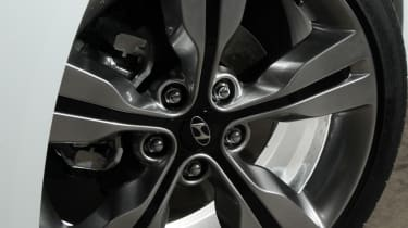 Hyundai offer the Veloster with 17-inch alloys.