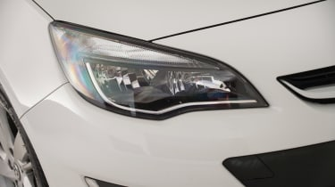 Used Vauxhall Astra - front light detail