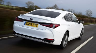 Lexus ES - rear