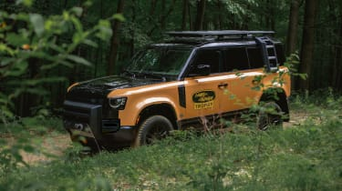 Land Rover Defender Camel Trophy Edition - front