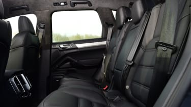 Porsche Cayenne Turbo - rear seats