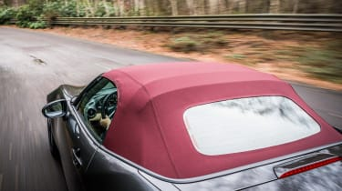 Mazda MX-5 Z-Sport - red roof