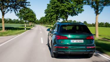 Audi SQ5 - rear tracking