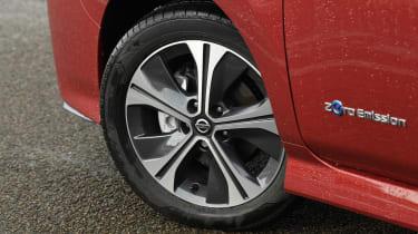 Nissan Leaf - wheel