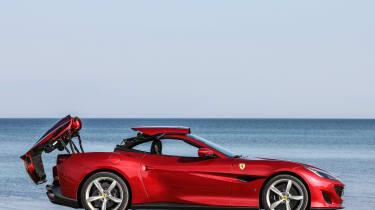 Ferrari Portofino - roof