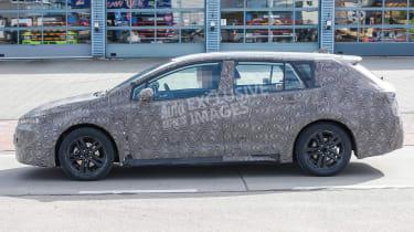 Toyota Auris Touring Sports - spyshot 6