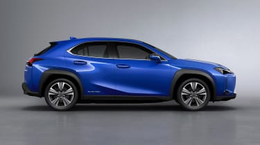 Lexus UX 300e - side studio