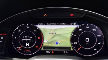 Used Audi Q7 - dials