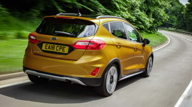 Ford Fiesta Active - rear tracking