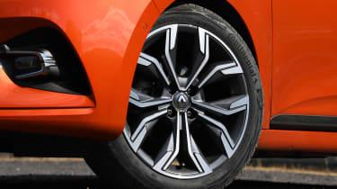 Renault Clio - wheel