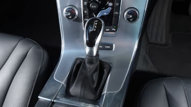 Volvo V60 D5 Twin Engine - gearlever