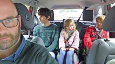 Honda CR-V: long-term test - children rear seats