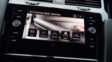 Volkswagen Golf GTI Performance Pack - infotainment