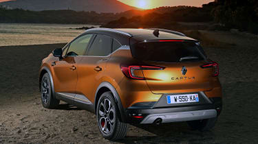 Renault Captur - rear sunset