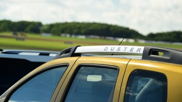 Dacia Duster - roof