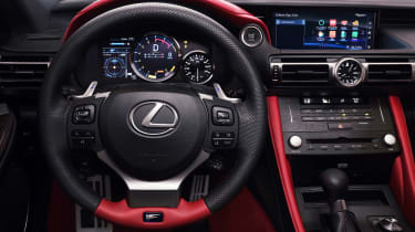 Lexus RC F Track Edition - dash
