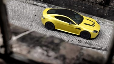 Aston Martin V12 Vantage S 2014 top