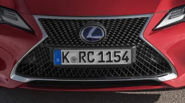 Lexus RC grille