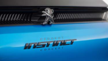 Peugeot Instinct Concept - badge
