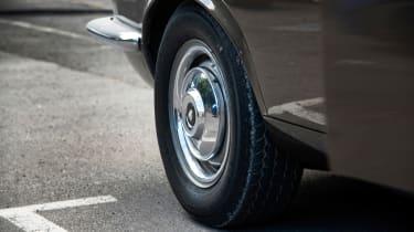 Jaguar XJ6 S1 wheel