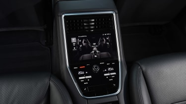 Porsche Panamera 4 E-Hybrid - rear console