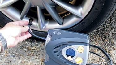 Best mini air compressors for car tyres header