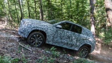 Mercedes GLE prototype - side off-road