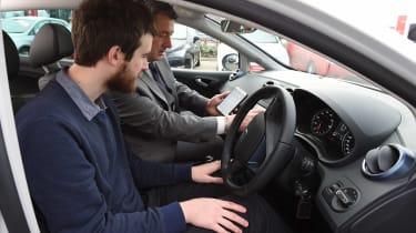 SEAT Ibiza - synching phone