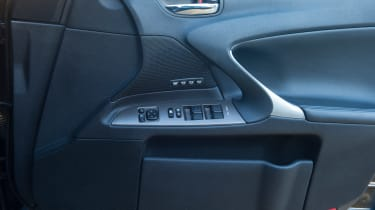 Used Lexus IS - door details