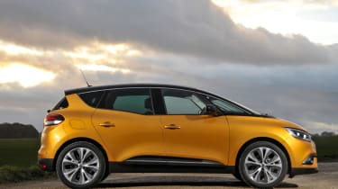 Renault Scenic and Grand Scenic Hybrid Assist - 21