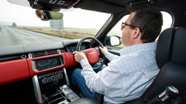 Range Rover SVAutobiography Dynamic 2017 - John driving