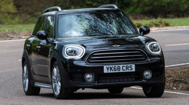 MINI Countryman - front cornering
