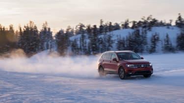 Volkswagen Tiguan snow dust