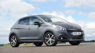 Peugeot 208 - front static