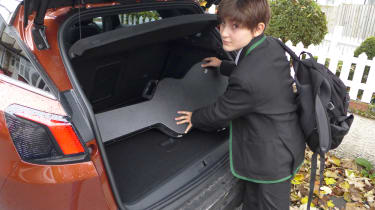 3008 minutes in a Peugeot 3008 - George guitar