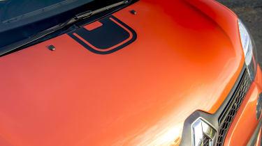 Renault Twingo GT - bonnet details