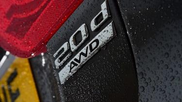 Jaguar XE - badge